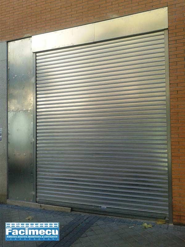 Cierre ciego lama FC 85 galvanizada instalado en Madrid