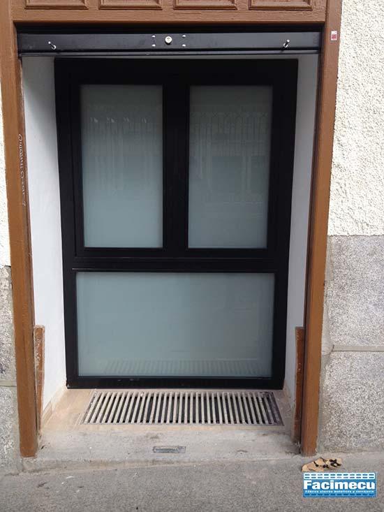 Puerta de cerrajeria lacada al horno