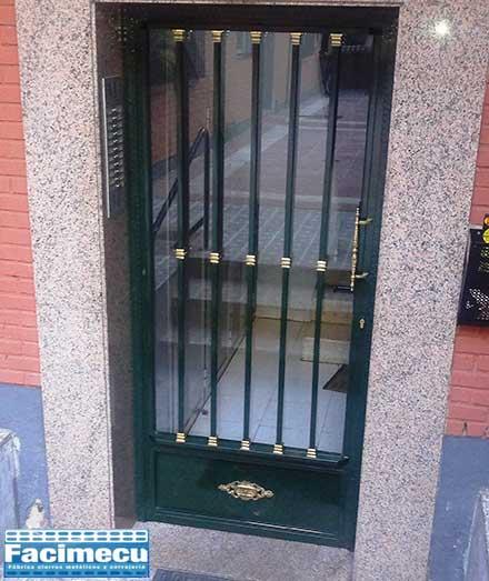 Puerta Sencilla