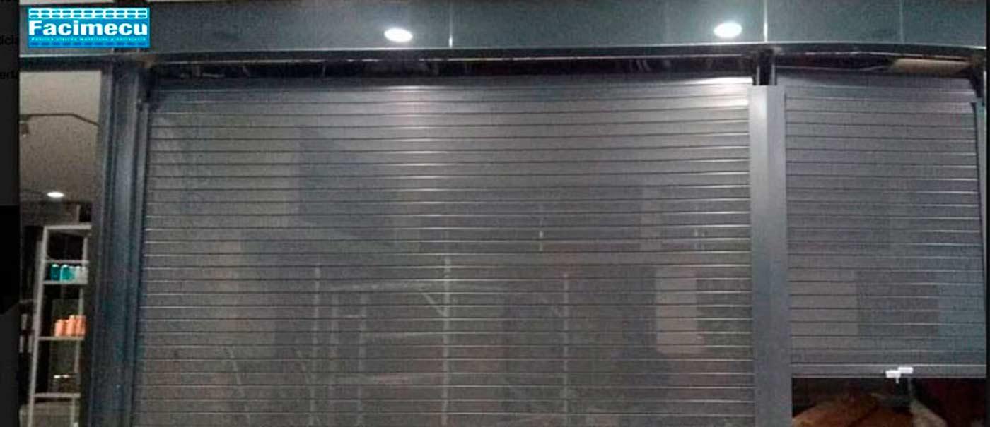 Puertas enrollables microperforadas en Barcelona