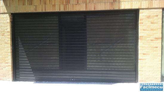 Cierre enrollable microperforado lama FC 115 lacado negro