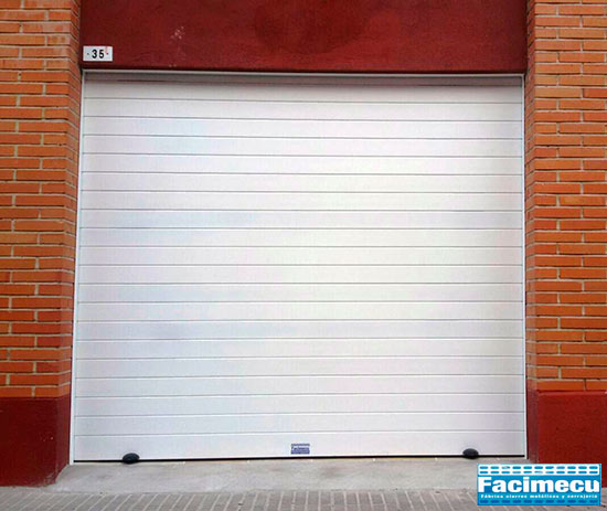 Puerta enrollable de aluminio extrusionado lama FC1p -100