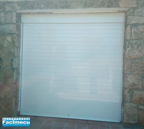 Puerta enrollable aluminio extrusiónado lama FC2P-100