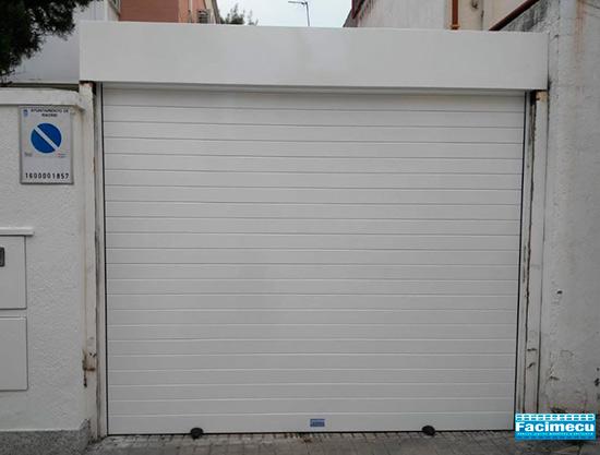 Puerta enrollable aluminio extrusiónado