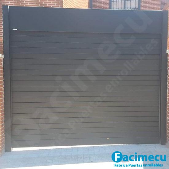 Puerta enrollable de garaje aluminio extrusionado modelo FC2P-100