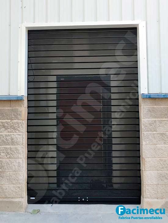 Cierre enrollable local comercial lama FC115 microperforada