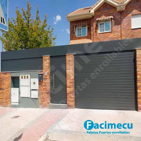 Puerta enrollable aluminio FC2p-100 puerta peatonal abatible