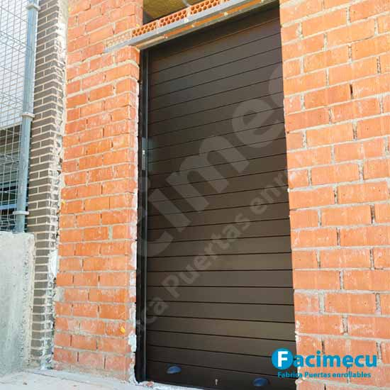Puertas enrollables FC2P 100 aluminio extrusionado mas vidrio
