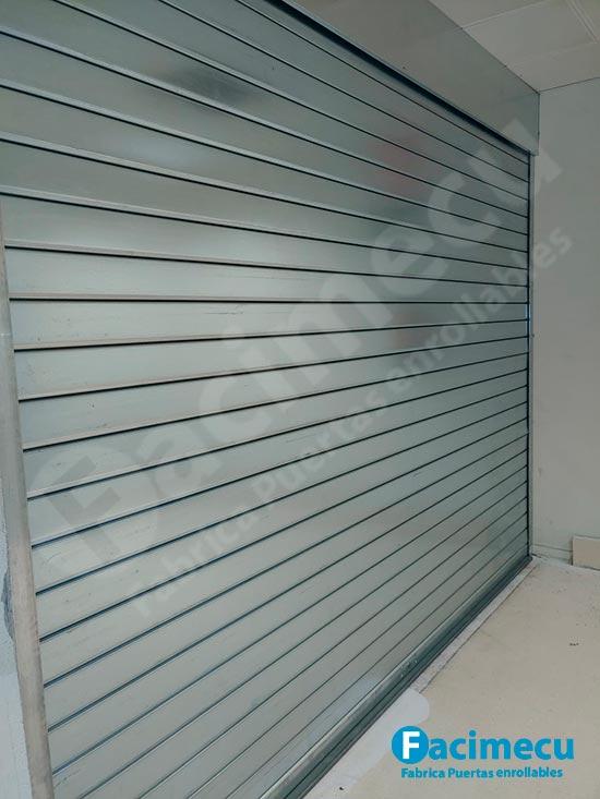 Puerta cierre enrollable lama plana ciega modelo FC115
