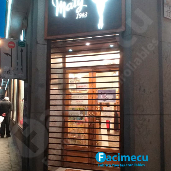 Puerta enrollable lama microperforada Maty