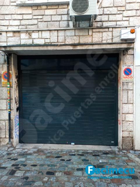 Puerta enrollable aluminio extrusionado Lama FC2p-100
