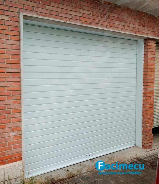 Puerta enrollable chapa galvanizada lacada lama FC115