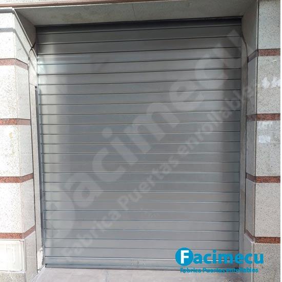 Puerta enrollable lama ciega galvanizada FC115