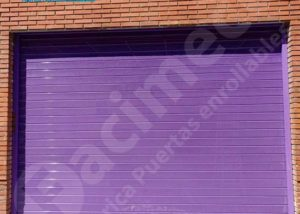 Puerta enrollable para local, lama FC115 microperforado